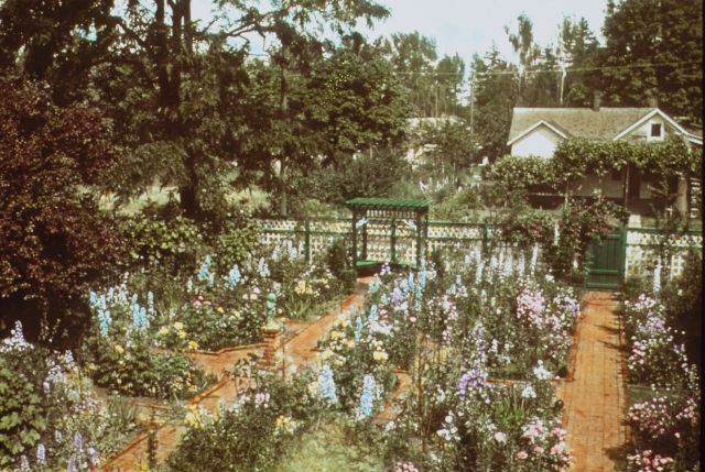 L&SArchiveImages1108 033Home garden