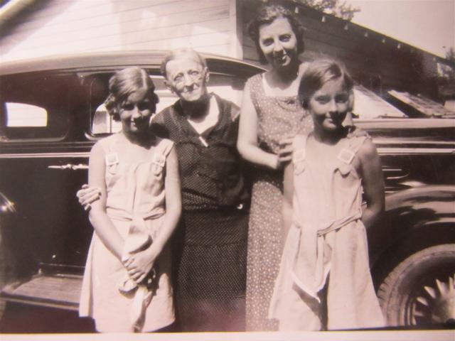 photos 7 Mom, Gma, Nana Pat