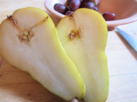 sliced pears