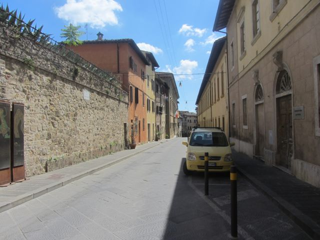 Colle:our street