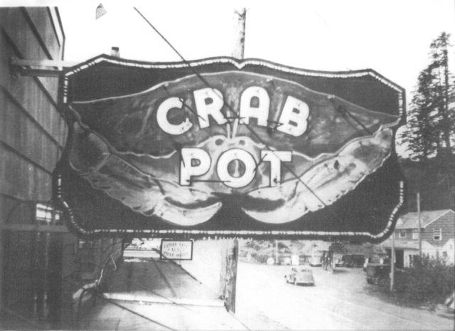 Crab Pot, neon sign