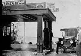 EARLY GAS STATION