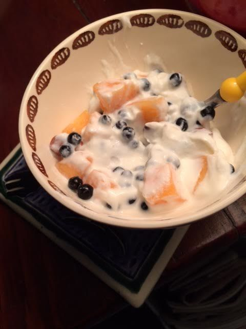 yoghurt:huckleberries