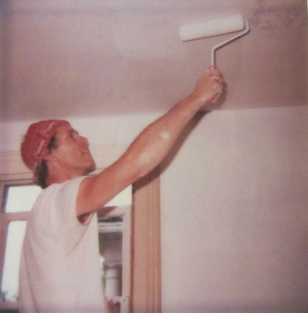 R paints the diing room, 1984