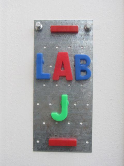 laB J