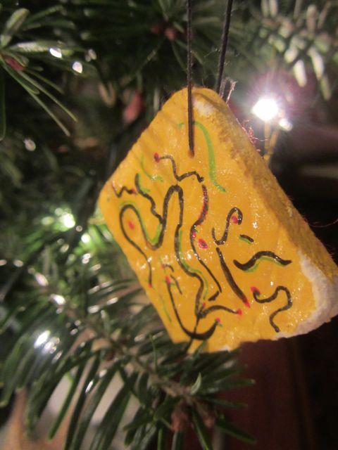 r's ornament