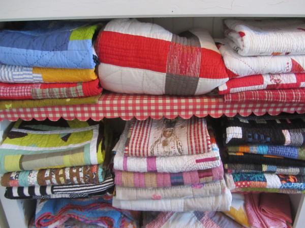 Quilt shelf